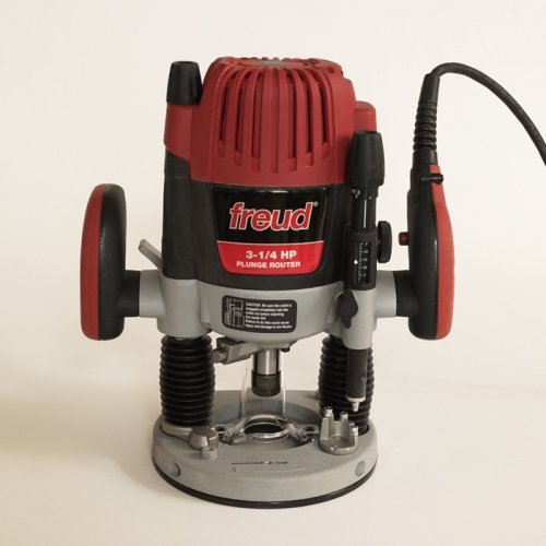 Freud 3-1/4 hp Plunge Router #FT3000VCE