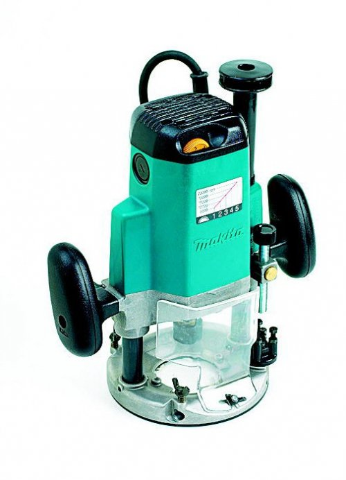 Makita 3612C Plunge Router