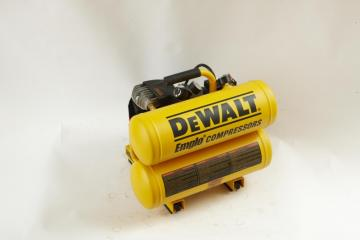DeWalt 4-Gallon Air Compressor